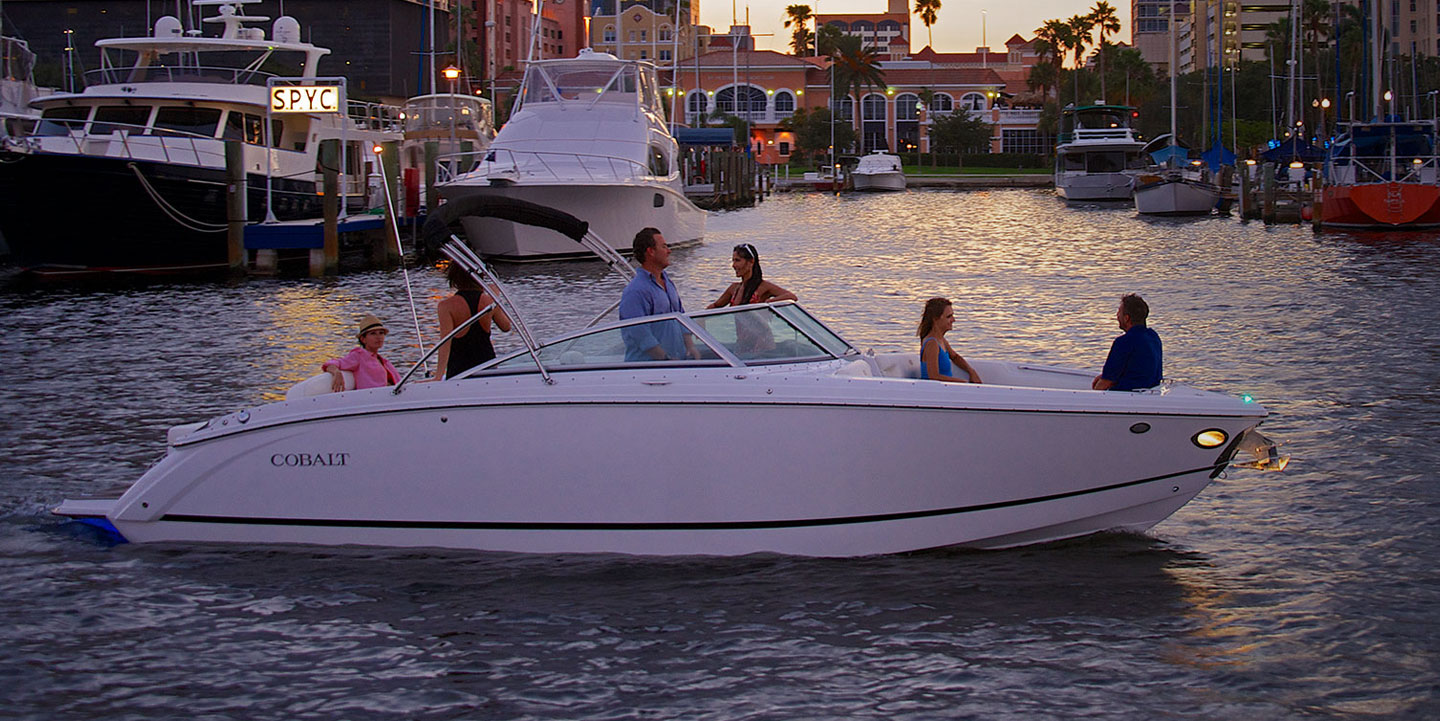Cobalt R Series R7 Evening Cruise with Friends